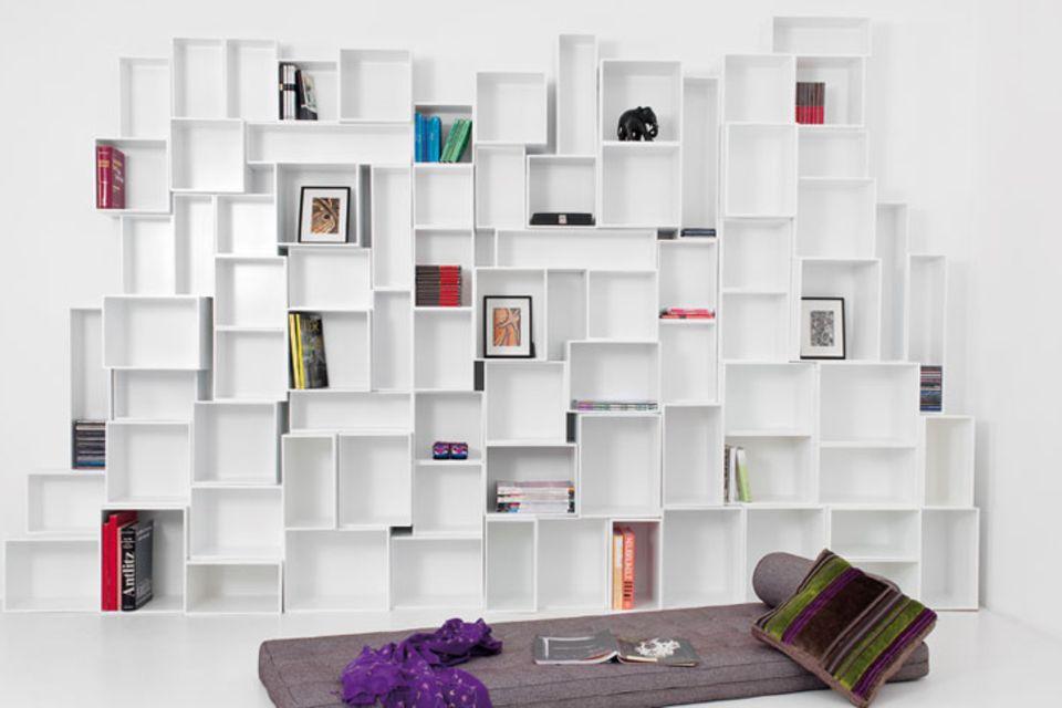 So inszenieren Sie Bücher mit einem Regal