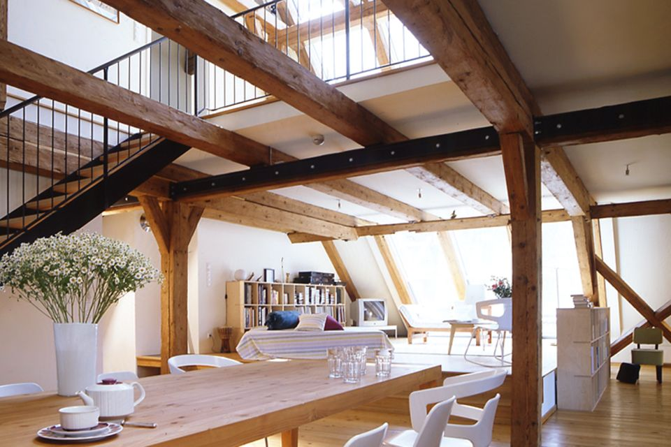 Helle Farben machen Dachräume wohnlicher