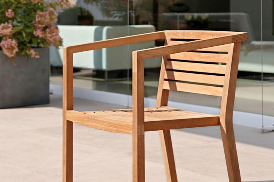 Kirschbaumholz ist leicht rötlich und eignet sich gut für Möbel aber auch zum Instrumentenbau.