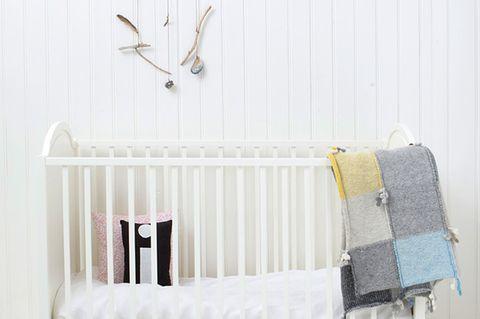 Kein Babyzimmer ohne Babybett. Dieses ist der Klassiker vom dänischen Hersteller Oliver Furniture.