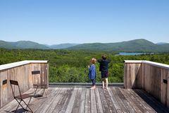 Die Holzterrasse: planen, bauen, pflegen