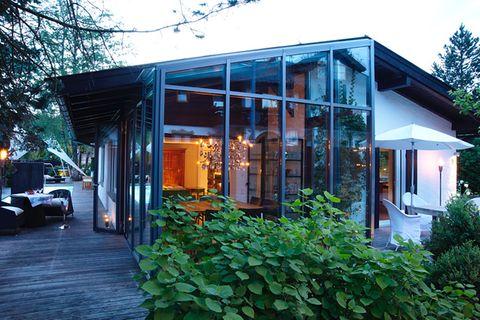 Umbauen & Renovieren: Heller Bungalow mit Wintergarten