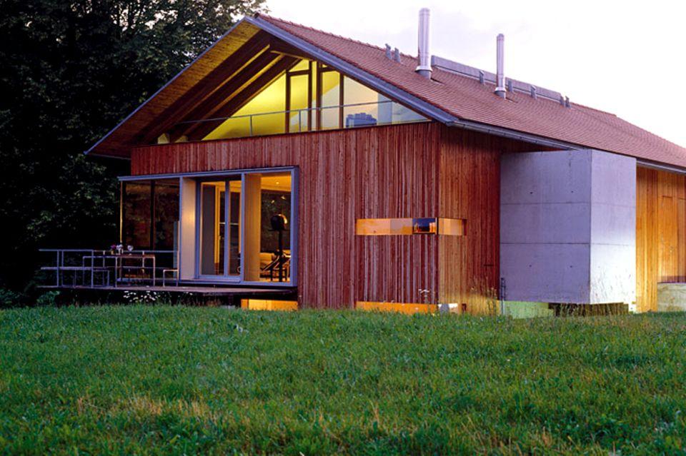 Modernes Landhaus mit Holzfassade