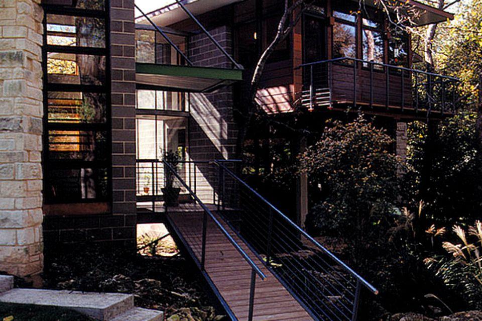 Zweigeteiltes Steinhaus