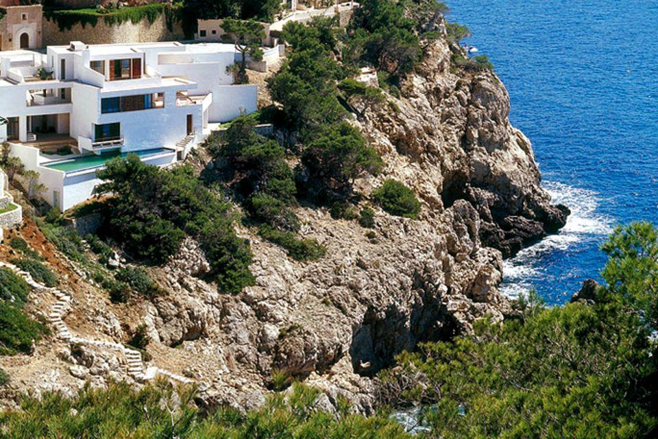 Flachdachhaus an der Steilküste