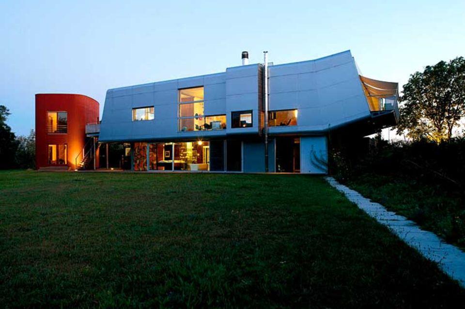 Futuristische Flachdachvilla