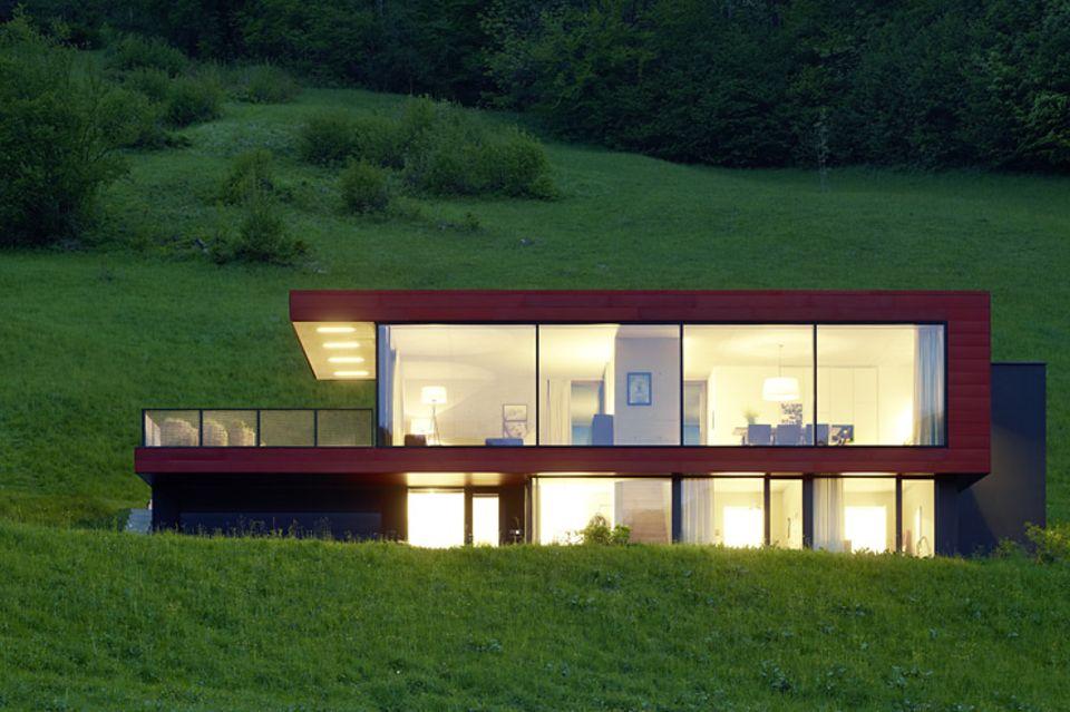 Architektenhäuser: Familiendomizil am Hang