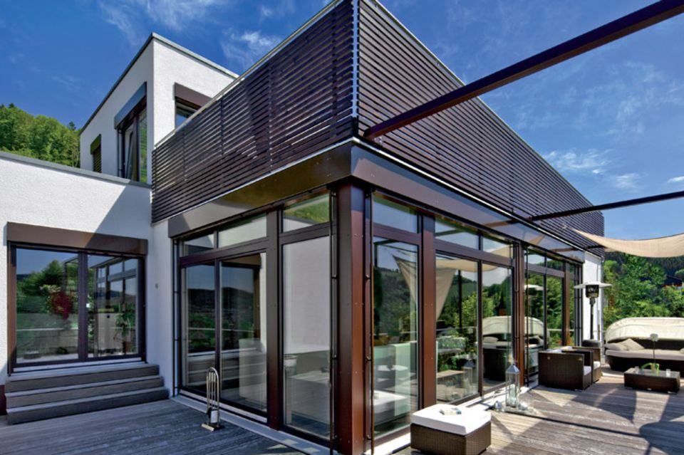 Hersteller: Regnauer: Fertighaus mit großer Dachterrasse