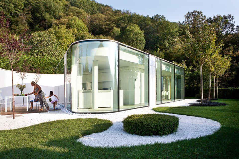 Architektenhäuser: Moderner Glaspavillon am Luganer See