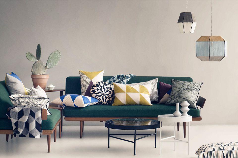 Raumgestaltung für Fortgeschrittene: Mit Kissen, Plaids und anderen Textilien lassen sich Wohnzimmer, Arbeitsecke und Schlafzimmer ruckzuck aufpeppen.