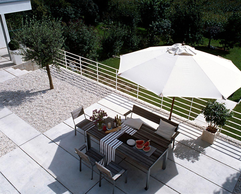 Terrassenboden aus Kies und Beton