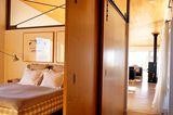 Holzschiebetüren zum Schlafzimmer