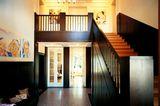 Holzgetäfelte Eingangshalle
