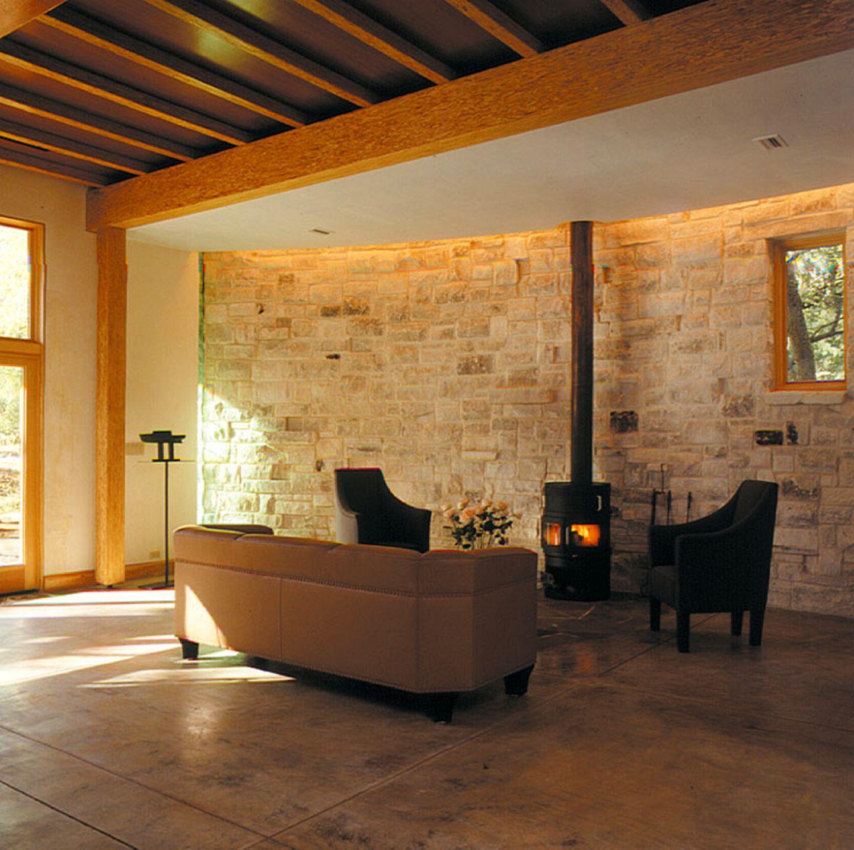 Natursteinmauer im Wohnzimmer