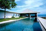 Pool zwischen Gästehaus und Wohntrakt