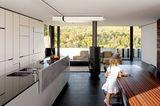 Küche mit offenem Wohnbereich
