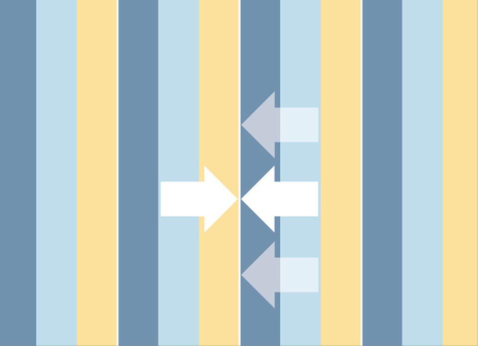 Ansatzfrei: Die Tapetenbahnen können fortlaufend zugeschnitten werden, ohne dass man dabei das Muster beachtet. In diesem Fall gibt es keinen Verschnitt.