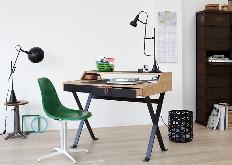 """Schreibtisch """"Stanley"""" von Lambert."""