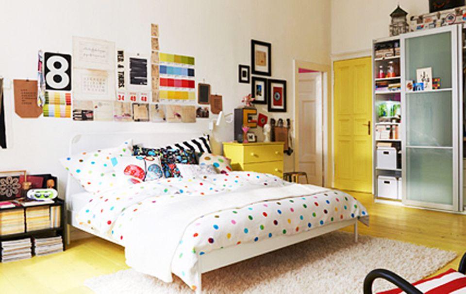 Jugendzimmer mit Möbeln aus der Ikea PS-Kollektion.