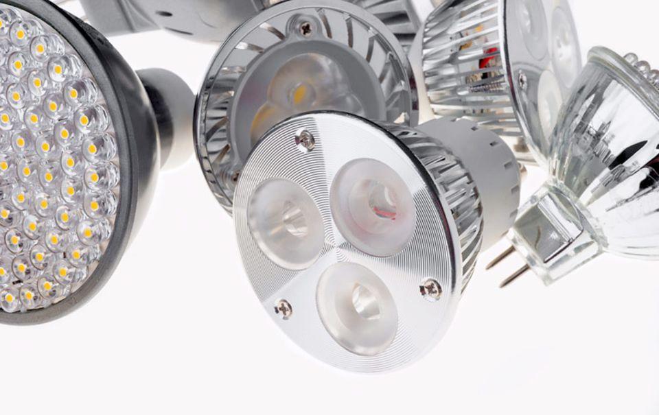 LED-Leuchtmittel gibt es für jede Lampenfassung - von E27 bis GU10.