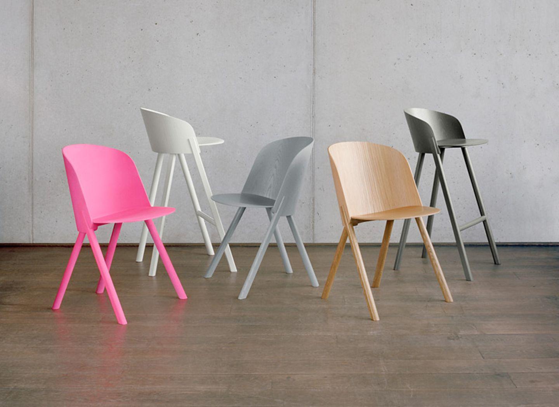 """Für die Stuhlserie """"This That Other"""" benutzt E15 recycelbares Schichtholz und es kommen bei der Produktion energieeffiziente Geräte zum Einsatz."""