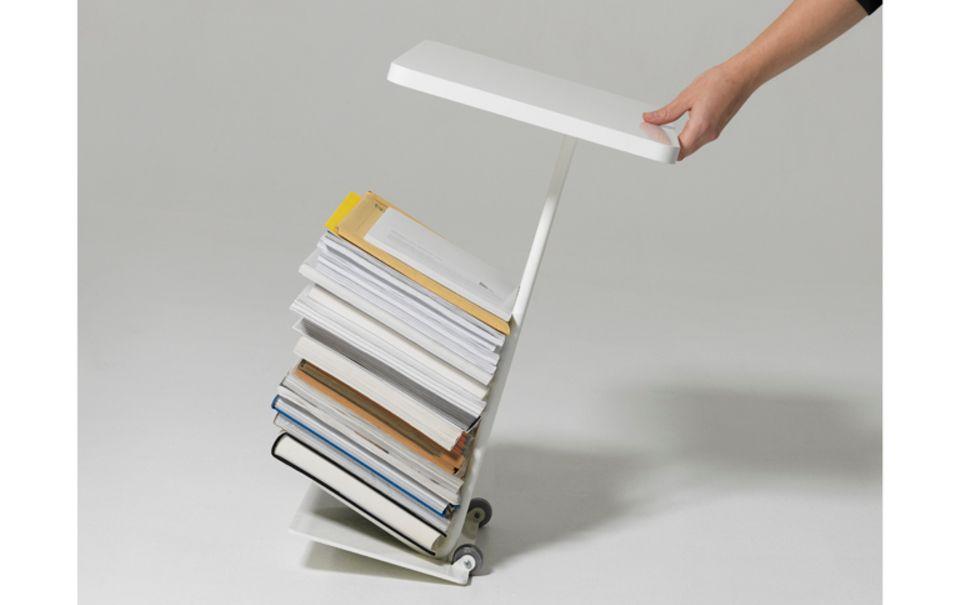 Beistelltisch und Zeitschriftenablage auf Rollen