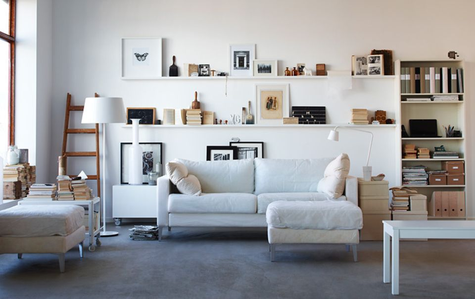 """Ordnet und macht einen Wechsel spielend leicht: Bilderleiste """"Ribba"""" von Ikea"""