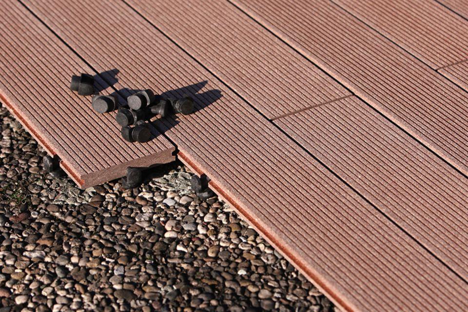 Holz-Kunststoff-Mix: System-Terrassendiele aus WPC von Natur in Form