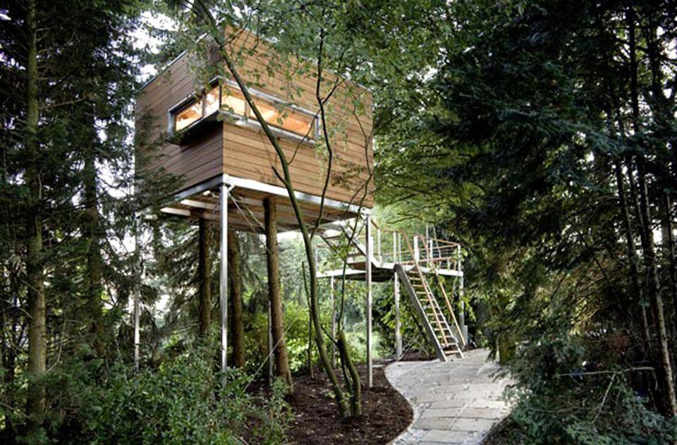 Gartenhaus mal anders: Baumraum fertigt exklusive Baumhäuser in zeitgemäßen Formen.