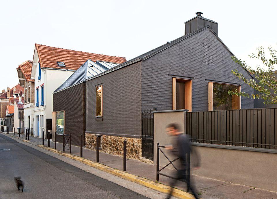 Zwei Häuser, eine Familie: Architekt Jacques Moussafir entkernte einen Pariser Vorort-Pavillon.