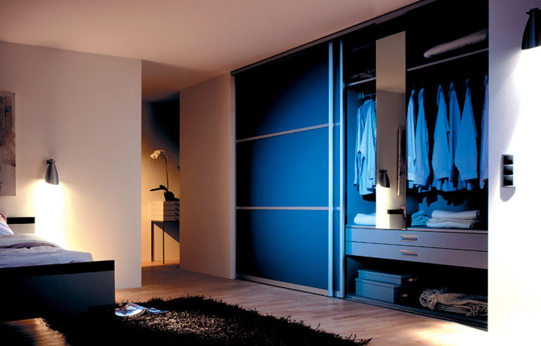 """Kleiderschrank mit Überbreite: Profilserie """"Vario"""" von Ars Nova"""