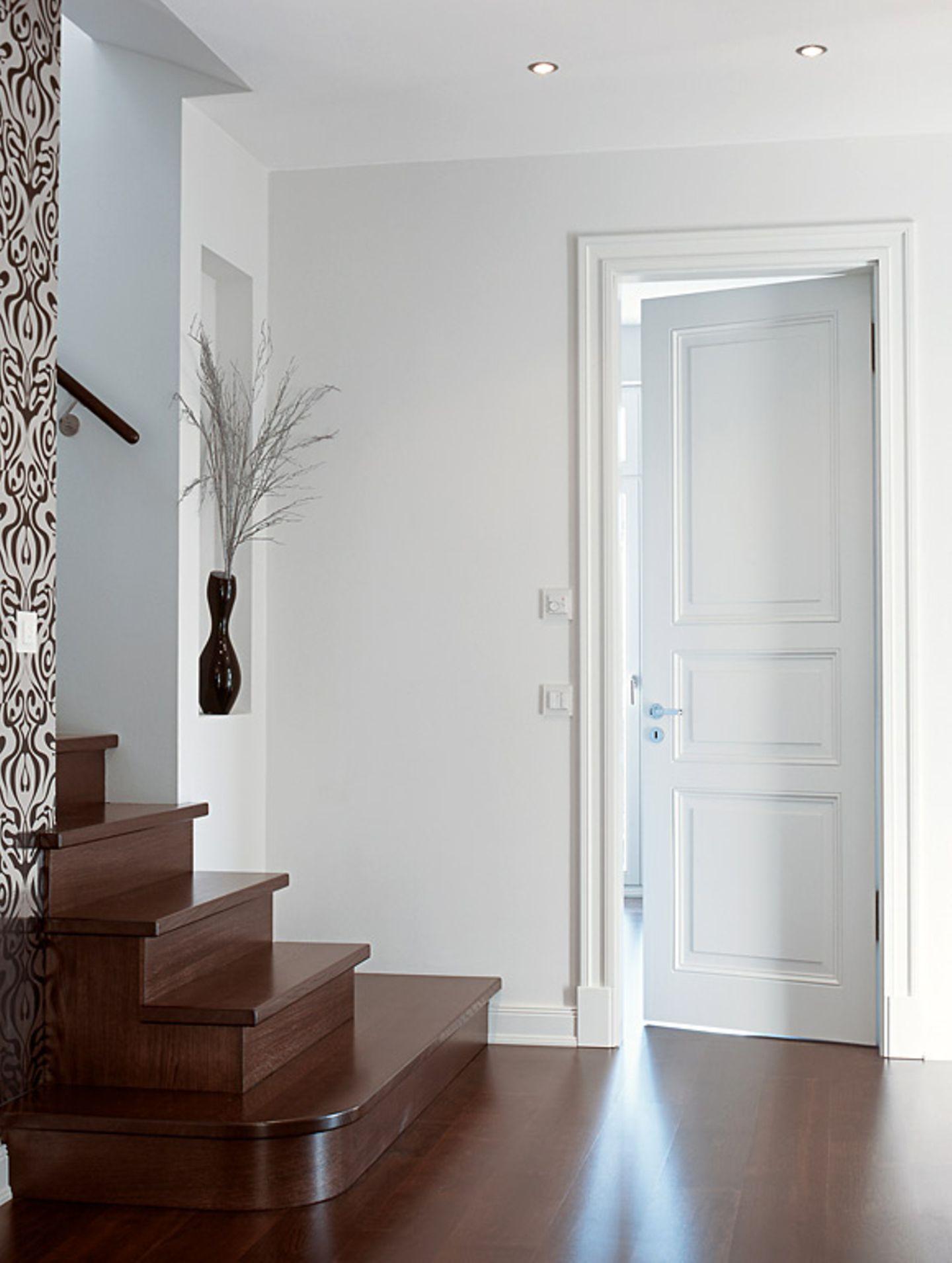 Was tun, wenn Türen von selbst zufallen?