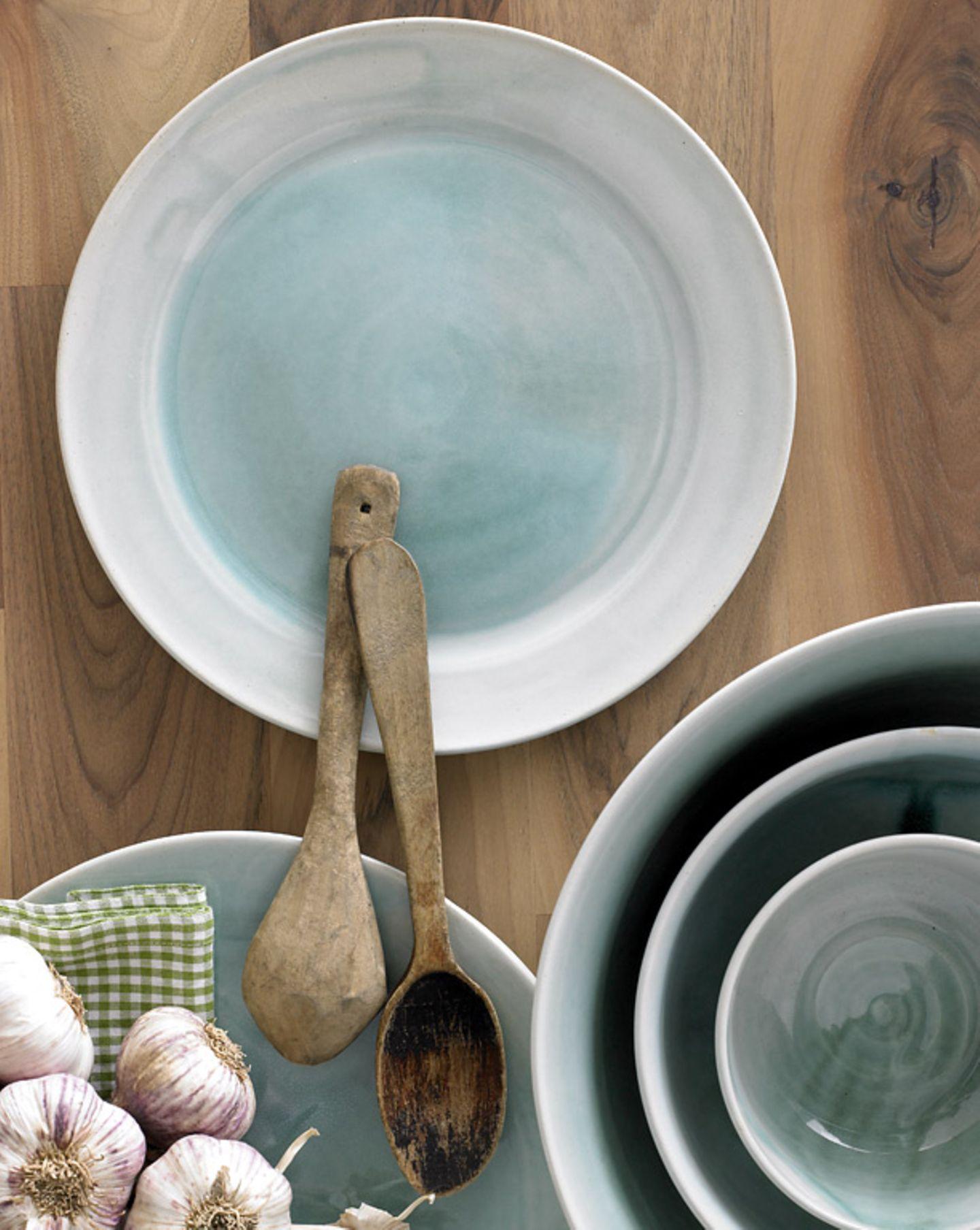 Handgefertigtes Keramikgeschirr von Melanie Follmer