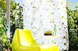 "Farbiger Sessel ""Vågö"" von Ikea"
