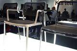"""Stühle """"Audrey"""" von Piero Lissoni auf dem Messestand von Kartell"""