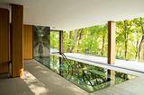 Indoor-Pool im Erdgeschoss