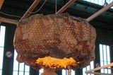 """Die Leuchten der """"Accordion Collection"""" bestehen aus Holz und Textil. Darum lassen sich die Entwürfe von Elisa Strozyk und Seba…"""