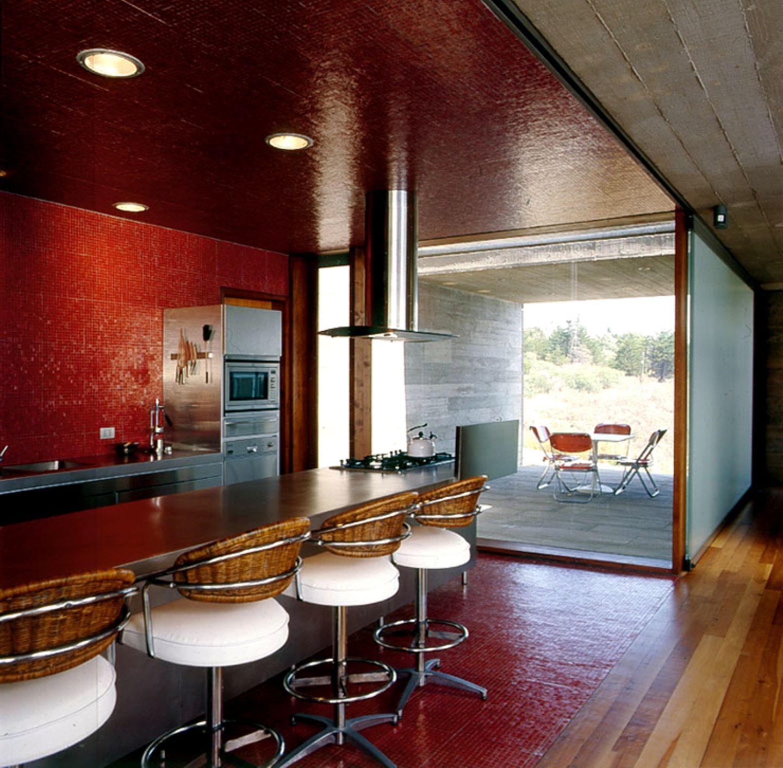 Küchenwände mit rotem Glasmosaik
