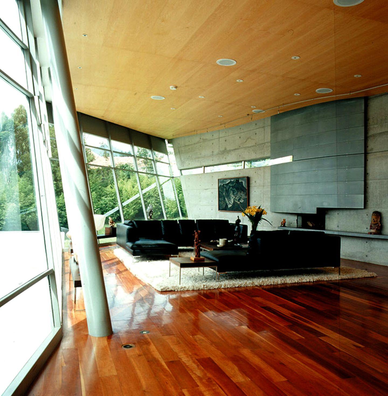 Wohnbereich mit großzügiger Glasfront