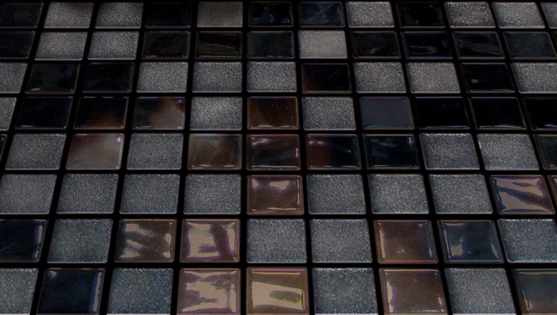 """Dunkle Mosaikfliese """"Opal Negro"""" von Onix"""