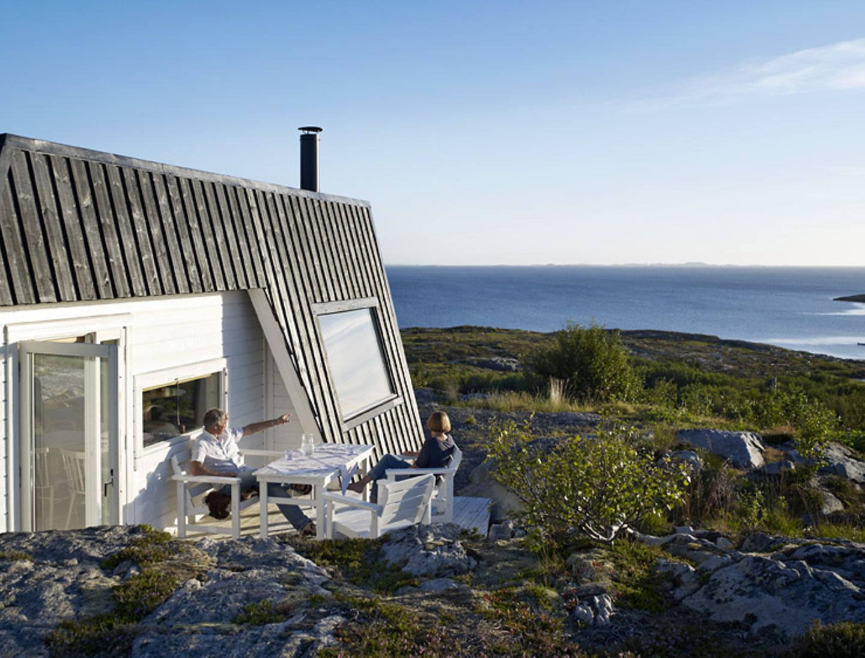 Terrasse mit Blick über den Fjord