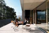 Terrasse mit Panoramafenstern