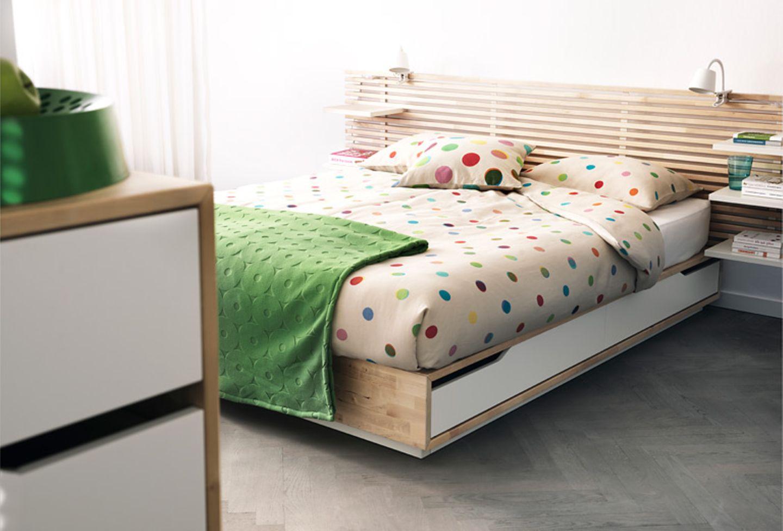 Bett mit Schubladen von Ikea