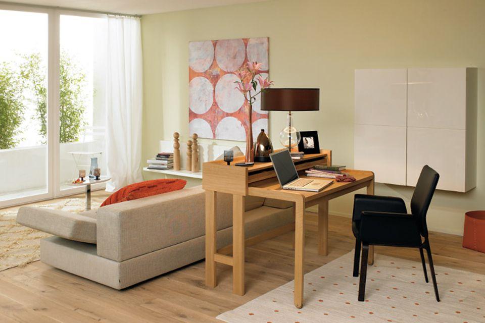 Schreibplatz: Holz-Sekretär als Raumtrenner