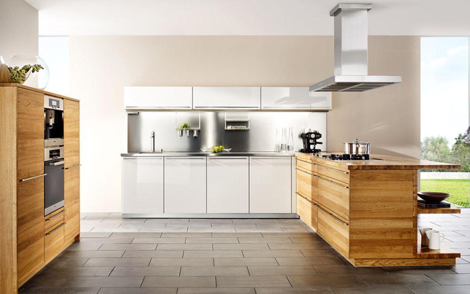 Metall hat die Gastroküche verlassen und glänzt nun auch zu Hause.