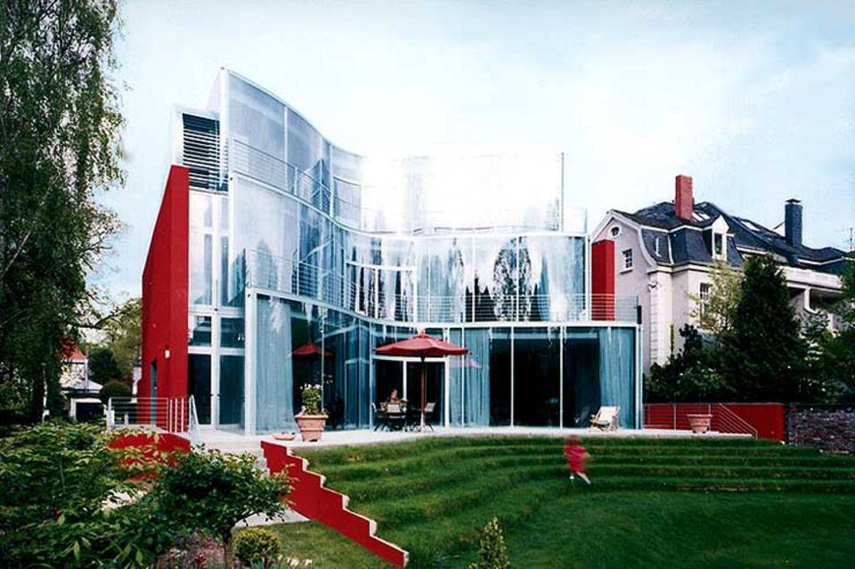 Schwungvolle Villa aus Glas