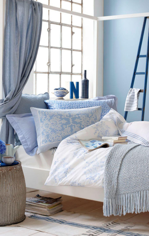 Romantisches Himmelblau fürs Schlafzimmer