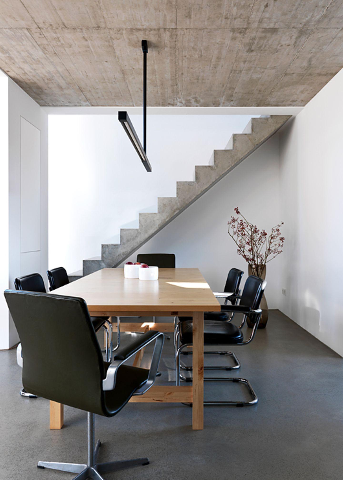 Treppe definiert Formsprache im Raum
