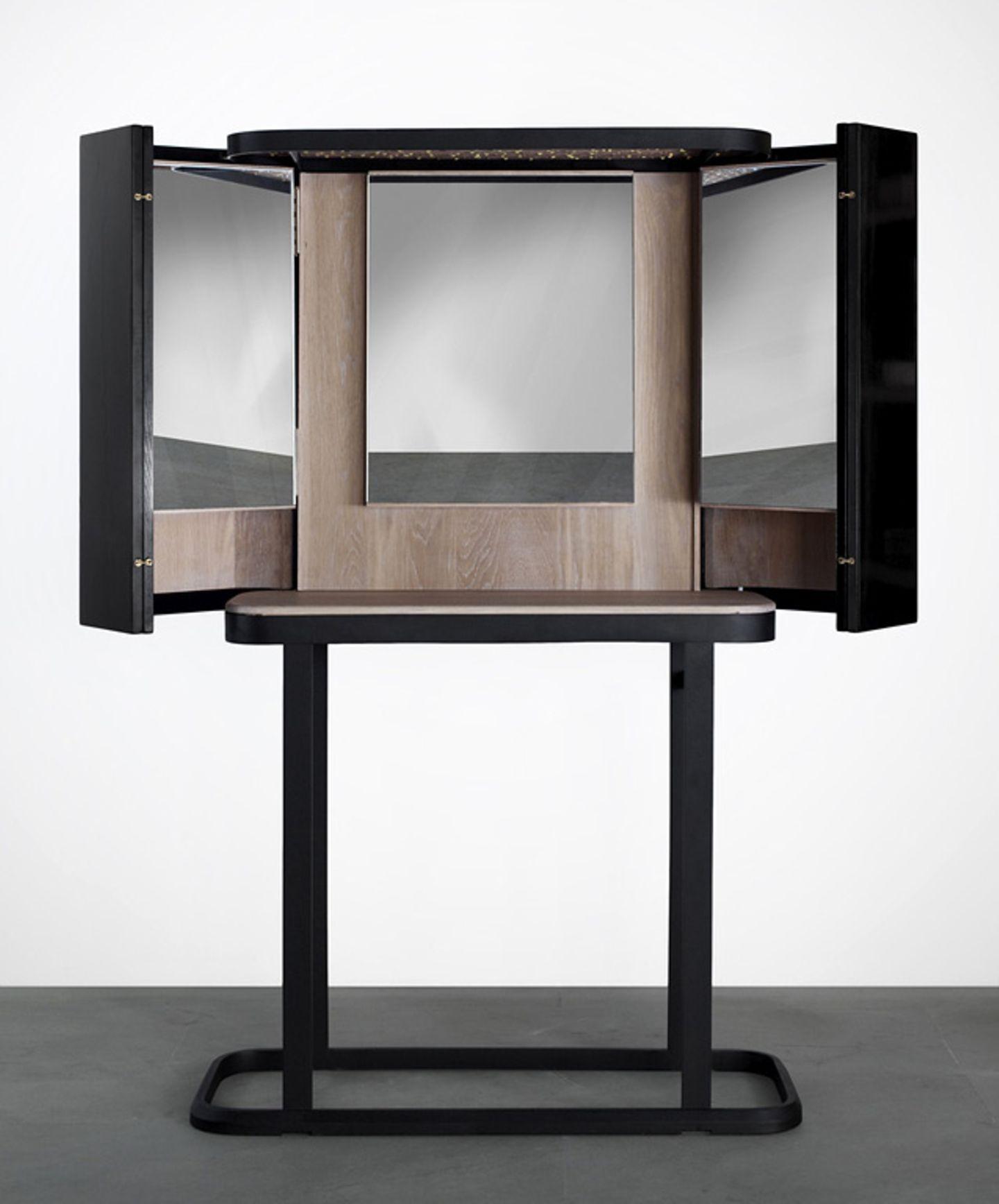 """Triptychon: Schminktisch """"The Narcissist"""" von Barcelona Design"""