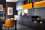 Spannende Farbkombi: Schwarz-Braun und Orange